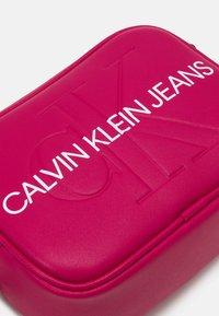 Calvin Klein Jeans - CAMERA BAG - Across body bag - red - 3