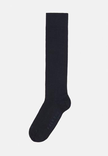 SENS LONDON - Knee high socks - dark navy