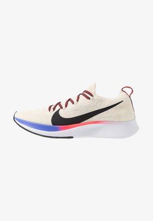 ZOOM FLY FK - Neutral running shoes - light cream/black/bright crimson