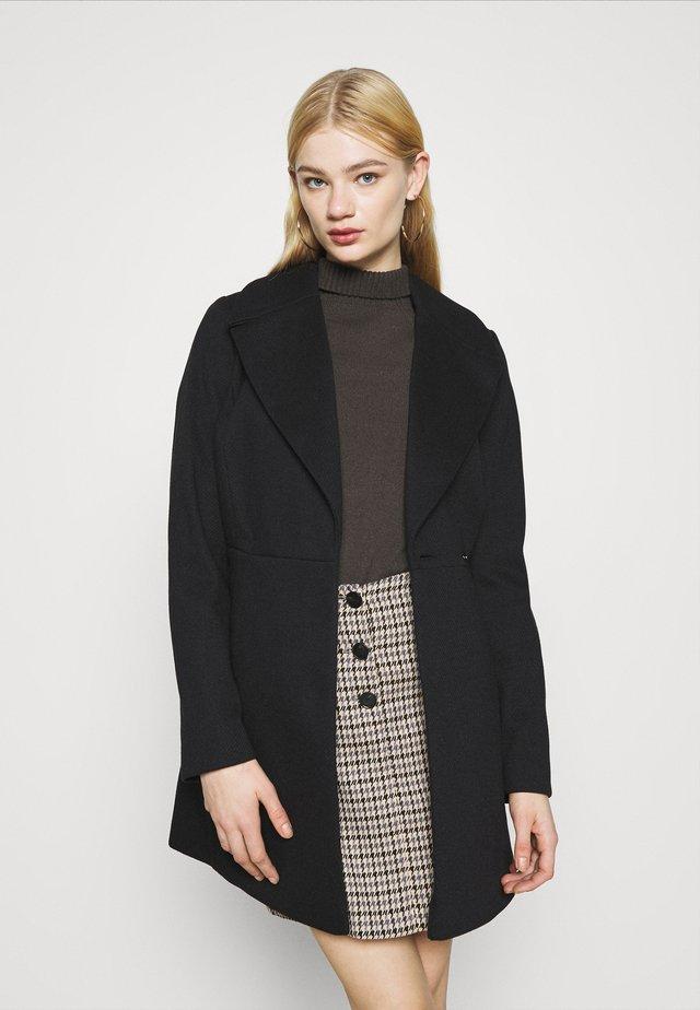 SKATER BELTED ROBE - Zimní kabát - black