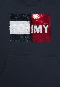 Tommy Hilfiger - FLAG FLIP SEQUINS HOODIE - Mikina skapucí - blue - 2
