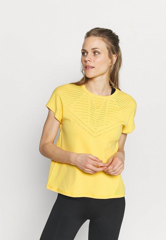 ONPMIRAL TEE - T-shirt con stampa - banana