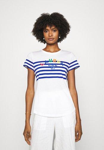 HEILID SHORT SLEEVE - Print T-shirt - white/sapphire star