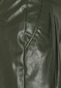 DESIGNERS REMIX - MARIE WAIST - Shorts - olive - 2