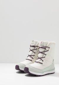 Viking - SOLLI GTX - Winter boots - eggshell/light green - 3