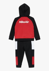 Nike Sportswear - AIR SET - Survêtement - black/university red - 1