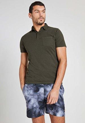 JAMES - Poloshirt - army green