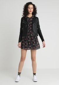 Vero Moda - VMRIA SHORT JACKET - Faux leather jacket - black - 1