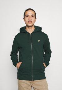 Lyle & Scott - ZIP THROUGH HOODIE - Zip-up sweatshirt - dark green - 0
