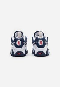 Nike Sportswear - AIR BARRAGE  - Sneakers laag - midnight navy/white/university red/vast grey - 2
