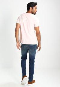 Selected Homme - SHNSLIM LEON - Jeans Slim Fit - medium blue denim - 2