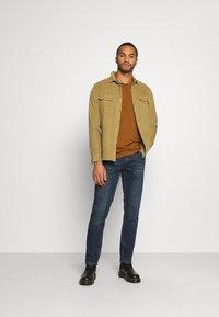Redefined Rebel - NEW YORK JEANS - Slim fit jeans - blue denim - 1
