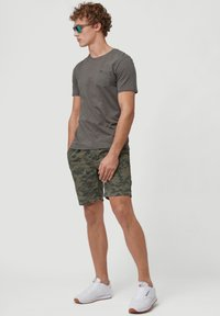 O'Neill - Shorts - olive leaves - 1