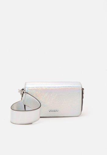 HANDBAG PICNIC MINI SHOULDER BAG - Handbag - iridescent silver-coloured