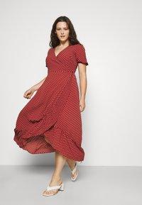 Vero Moda Curve - VMSAGA WRAP ANKLE DRESS - Maxi šaty - chili oil - 0