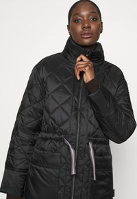 Hunter ORIGINAL - WOMENS REFINED LONG QUILTED COAT - Zimní kabát - black - 5