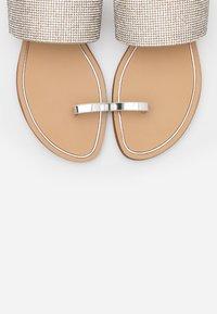 ALDO - OLIRESSA - Sandály s odděleným palcem - silver - 5