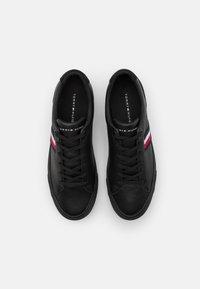 Tommy Hilfiger - CORPORATE  - Sneakersy niskie - black - 3