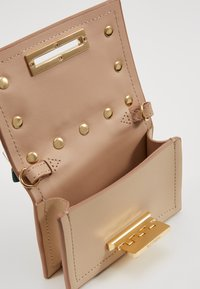 ZAC Zac Posen - EARTHETTE CREDIT CARD CASE - Schoudertas - oat - 4