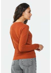 WE Fashion - Cardigan - rust brown - 2