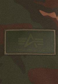 Alpha Industries - BACK HOODY CAMO - Luvtröja - woodland - 8