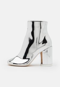 MM6 Maison Margiela - STIVALETTO EFFETTO SCUCITO - High heeled ankle boots - silver - 1