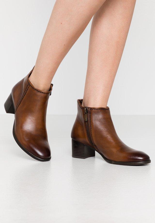 Boots à talons - cognac antic