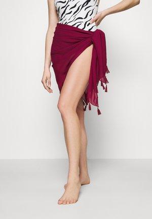 PAREO - Beach accessory - red
