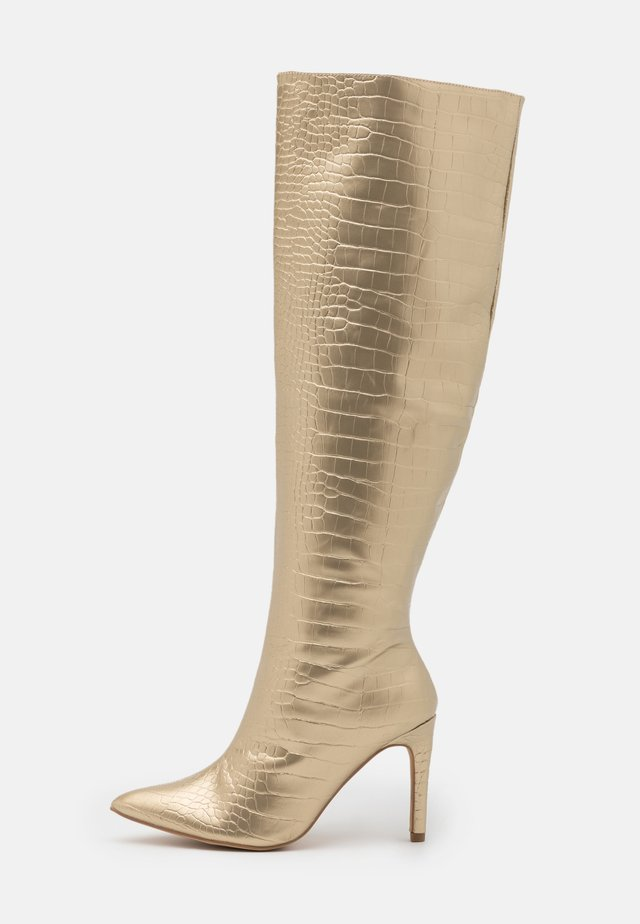 MID KNEE BOOTS - Botas - gold