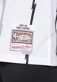 Mitchell & Ness - NBA TORONTO RAPTORS - VINCE CARTER - Article de supporter - white - 6