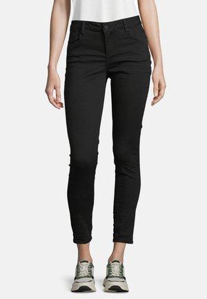CLASSIC FIT-JEANS MIT EINGRIFFTASCHEN - Slim fit jeans - black denim