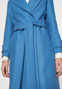 IVY & OAK - BELTED COAT - Zimní kabát - allure blue - 4