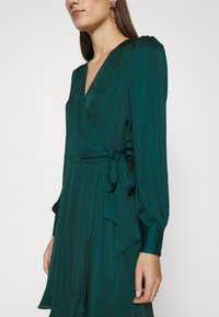 Banana Republic - VNECK WRAP SOLID - Cocktail dress / Party dress - glen green - 4