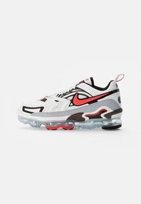 Nike Sportswear - AIR VAPORMAX - Trainers - summit white/crimson-black-reflect silver - 0