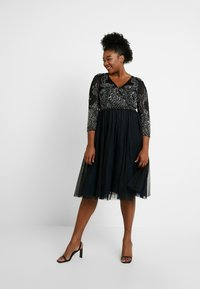 Lace & Beads Curvy - BONITA MIDI - Occasion wear - black - 2