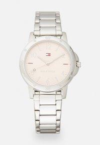 Tommy Hilfiger - GIRLS WATCH - Watch - silver-coloured - 0