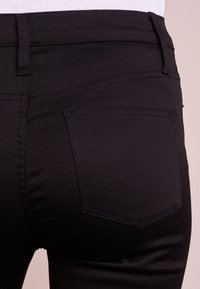 J.CREW - LOOKOUT HIGH RISE NEW BLACK - Slim fit jeans - true black - 4