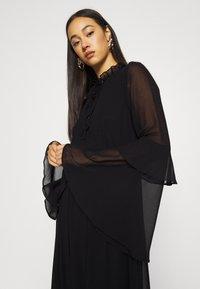 Missguided - TIE NECK TIERED FLOOR SWEEPER DRESS - Robe longue - black - 3