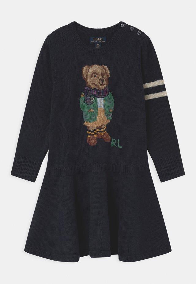 BEAR  - Pletené šaty - navy