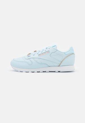 Sneakersy niskie - glass blue/golden bronze /footwear white