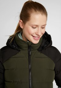 O'Neill - MANEUVER INSULATOR JACKET - Snowboardová bunda - forest night - 3