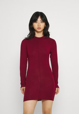 EXPOSED SEAM HIGH NECK LONG SLEEVE MINI - Jersey dress - red
