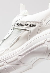 Calvin Klein Jeans - MARVIN - Trainers - bright white - 5