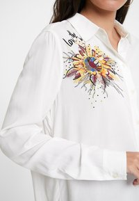 Desigual - CAM_SELLY - Button-down blouse - white - 1