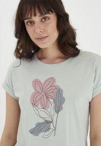 Fransa - MIT FLORALEM PRINT - Print T-shirt - aqua foam - 3