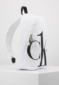 Calvin Klein Jeans - ROUNDED - Batoh - white - 5