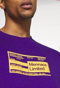 Mennace - UNISEX PRIDE TICKET SWEATSHIRT - Sweatshirt - purple - 5