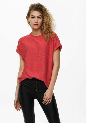 T-shirts med print - cayenne
