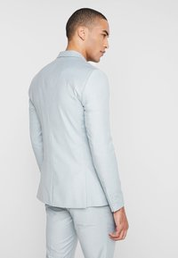 Isaac Dewhirst - WEDDING SUIT - Completo - light green - 3