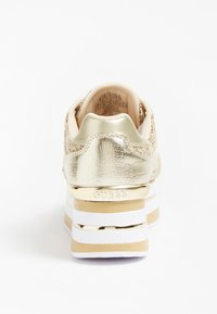Guess - Trainers - beige - 2